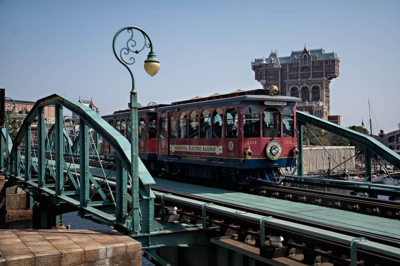Monorail, Tokyo Disney Sea, Japan - Photo by Zed Sindelar of CuriousZed Photography