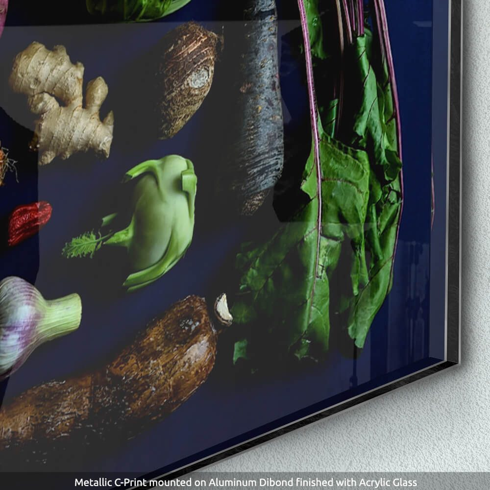 Abundante-Detail-of-Metallic-C-Print-Dibond-Acrylic-Glass-CuriousZed